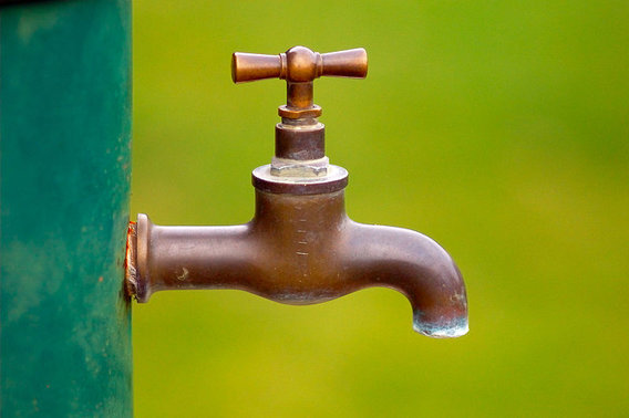 800px-brass_water_tap-277317720