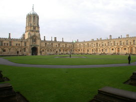 Christ_church_college_quadrangle_oxford_uk