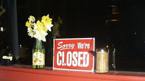 800px-lgc_sorry_we_re_closed_sign2