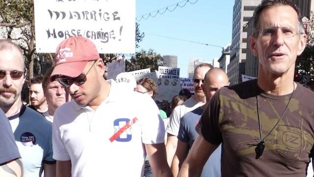 Gay_couple_at_same-sex_marriage_march_san_francisco_20082