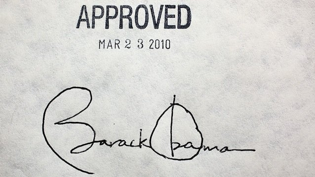 800px-obama_healthcare_signature