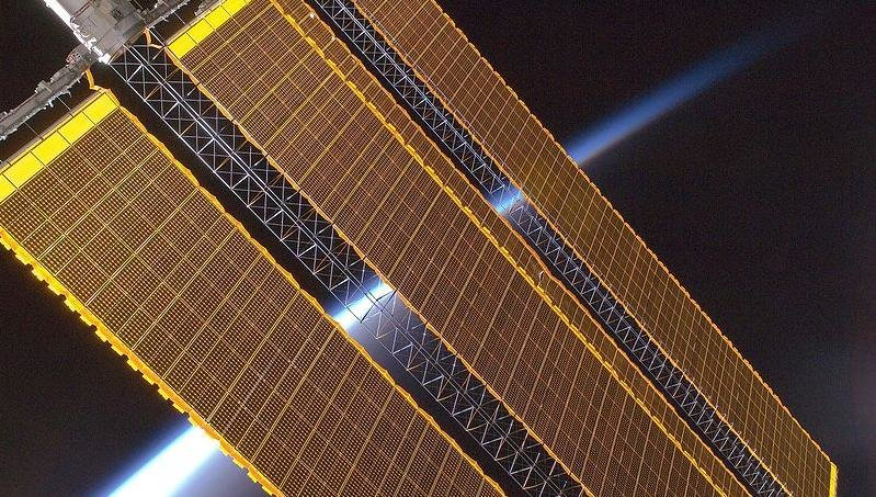Space_solar_panels