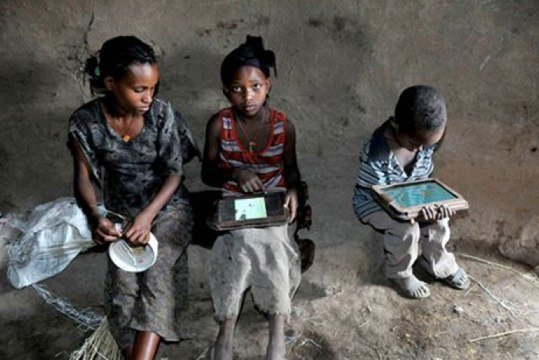 Ethiopian%20kids%20go%20from%20never%20having%20seen%20a%20tablet%20to%20hacking%20android%20in%205%20months,%20with%20no%20help%20at%20all%20at%20padvance