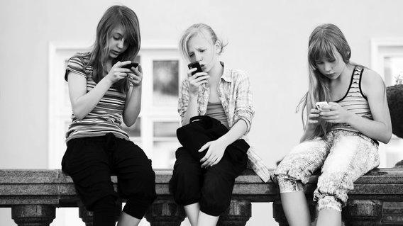 Overall, teen cell phone addiction often leads to problems and failures in studies as well as loss of interest in hobbies, sports, and outdoor activities. In some cases, it can also cause social loneliness, loss of friends, staying isolated.