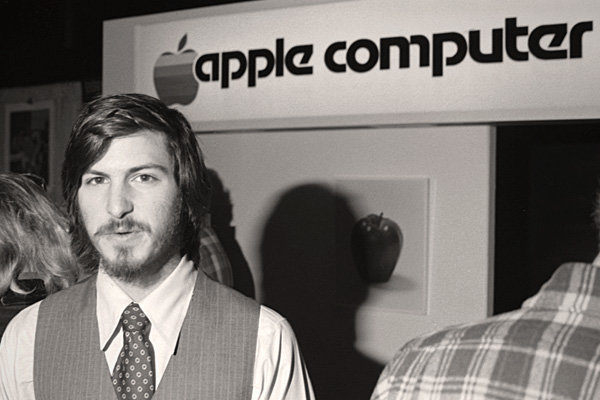 Young_steve_jobs_(1)
