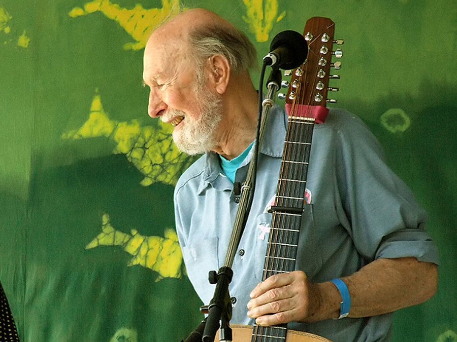 1200px-pete_seeger2_-_6-16-07_photo_by_anthony_pepitone