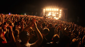 Main_stage_crowd_shot