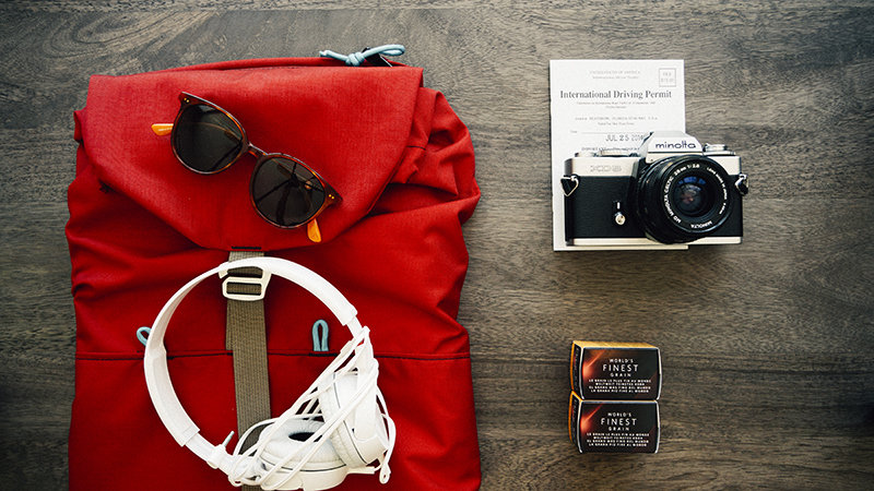 Clothes-travel-voyage-backpack-small