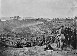 Confederate_prisoners_awaiting_transportation__belle_plain__va