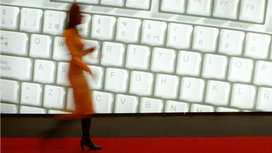 Woman_keyboard