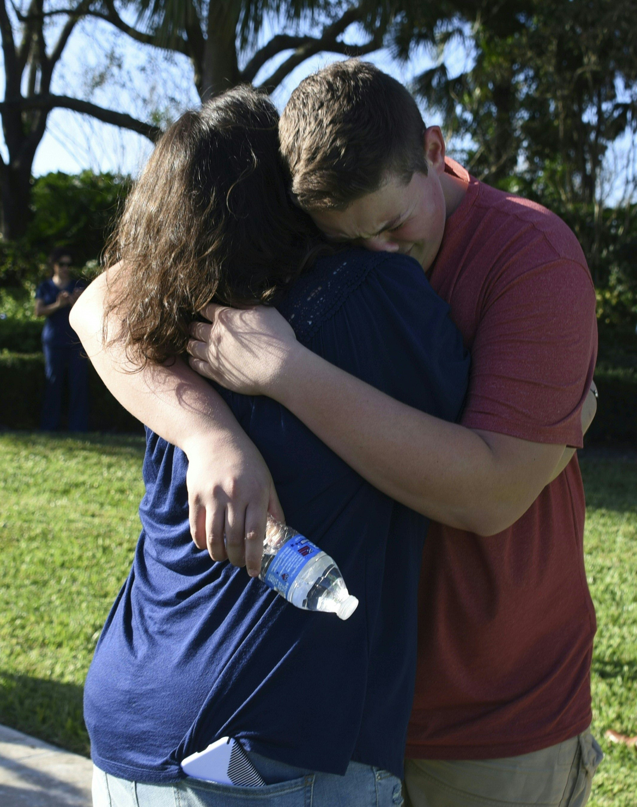 Teen accused in Florida school shooting confessed, authorities say; funerals begin